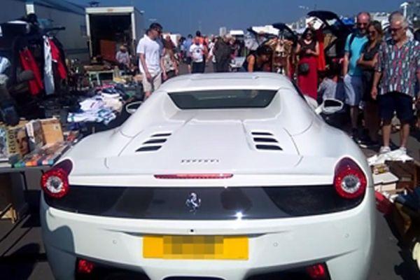Нагъл шофьор на Ferrari получи истинско възмездие за това, че си мисли, че може да паркира навсякъде. Случката е от английския град Брайтън и по-точно от ях