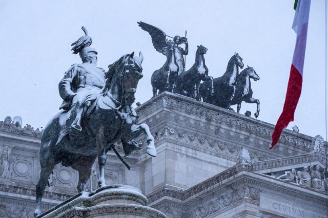 сняг в Рим