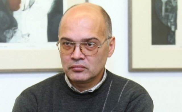Тихомир Безлов