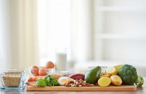 """Учени от """"Харвард"""" изготвиха списък с 5 храни, които е препоръчително да се консумират ежедневно или колкото се може по-често."""