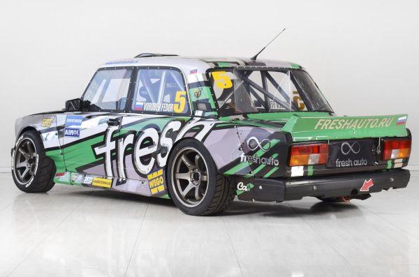 """Преди повече от 10 години руският автомобилен състезател Фьодор Воробьов стартира проекта """"ЖИГАЦАР"""" – създаване на машина за участие в състезани"""