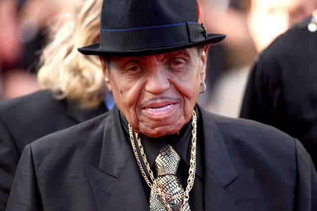 Джо Джексън, бащата на краля на поп-музиката Майкъл Джексън почина на 89 години след битка с рак на панкреаса. Той е създат