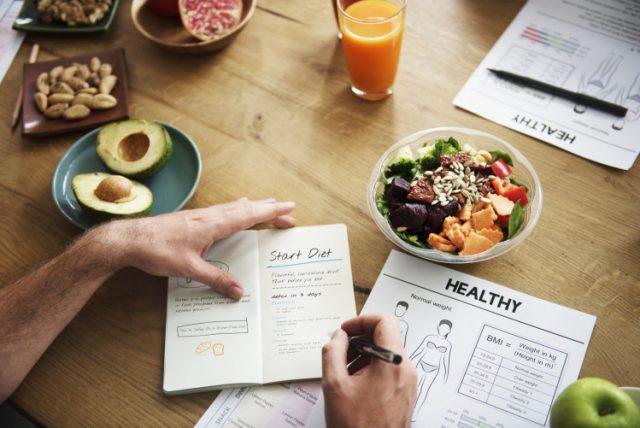 Тази двуседмична диета е много популярна в Русия. За кратко време тя дава отлични резултати, които траят дълго и не вреди на семейния бюджет