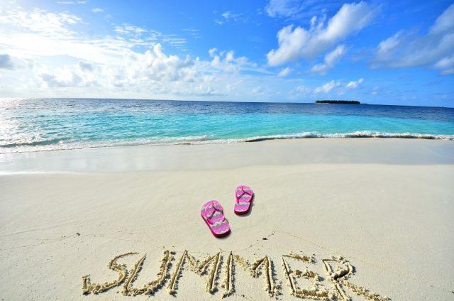 Лято е. Сега е времето за почивка на море и вълнуващи пътувания с любимите ни хора. Ако нямате по-сериозни планове за отпуска, не се