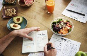 Някои хора смятат, че цял ден без храна е някакъв трик, който също има вредно въздействие върху вашето здраве. Всъщност всичко е точно