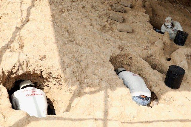 Археолози откриха голям погребален комплекс на инките в глинена пирамида в крайбрежна пустинна долина, далече от Андите, където е била тяхната им