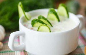 Сега е сезонът на краставиците – това е чудесен момент да се погрижите за здравето. Тази вкусна диета с овесена каша и краставици ще ви помогне да пречисти