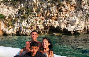 Кристиано Роналдо остави с широко отворена уста персонала на гръцкия хотел, в който отседна по време на лятната си ваканция в южната ни съседк