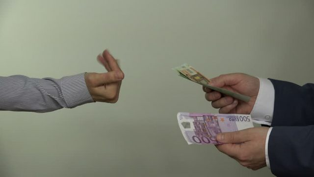 money_giving