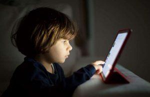дете, екран, компютър