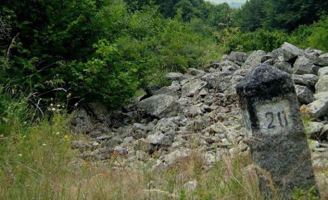 километър, камък