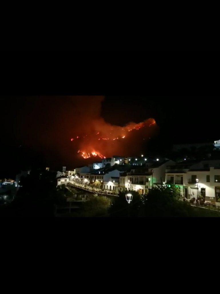 10 000 са евакуирани