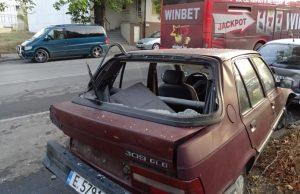 Шофьор помля три коли в Благоевград и избяга
