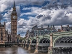 Британският парламент спира работа от днес