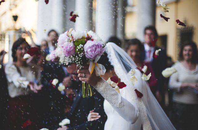 Китаец прави фиктивна сватба, за да забогатее